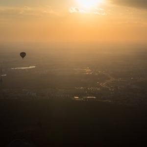 Skrydis oro balionu Vilniuje per saulėlydį